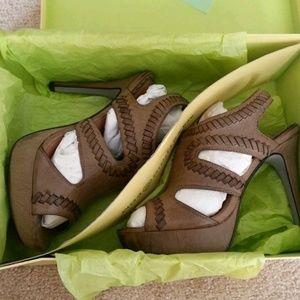 "Max Studio ""Xist "" leather sandal size 7.5"